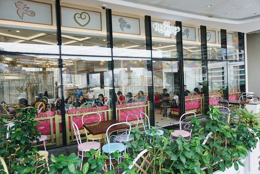 hello-kitty-cafe-manila-uptown-mall-bgc