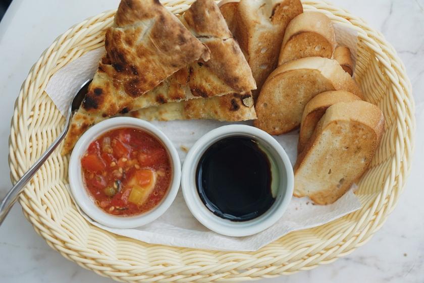 uptown-bonifacio-italian-feast-at-mamma-mia