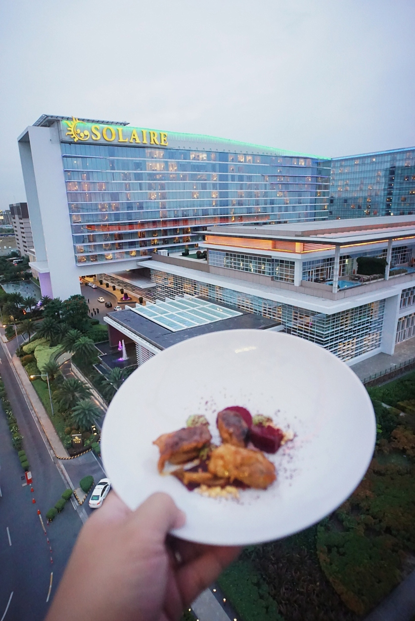 dinner-in-the-sky-philippines-solaire-resort