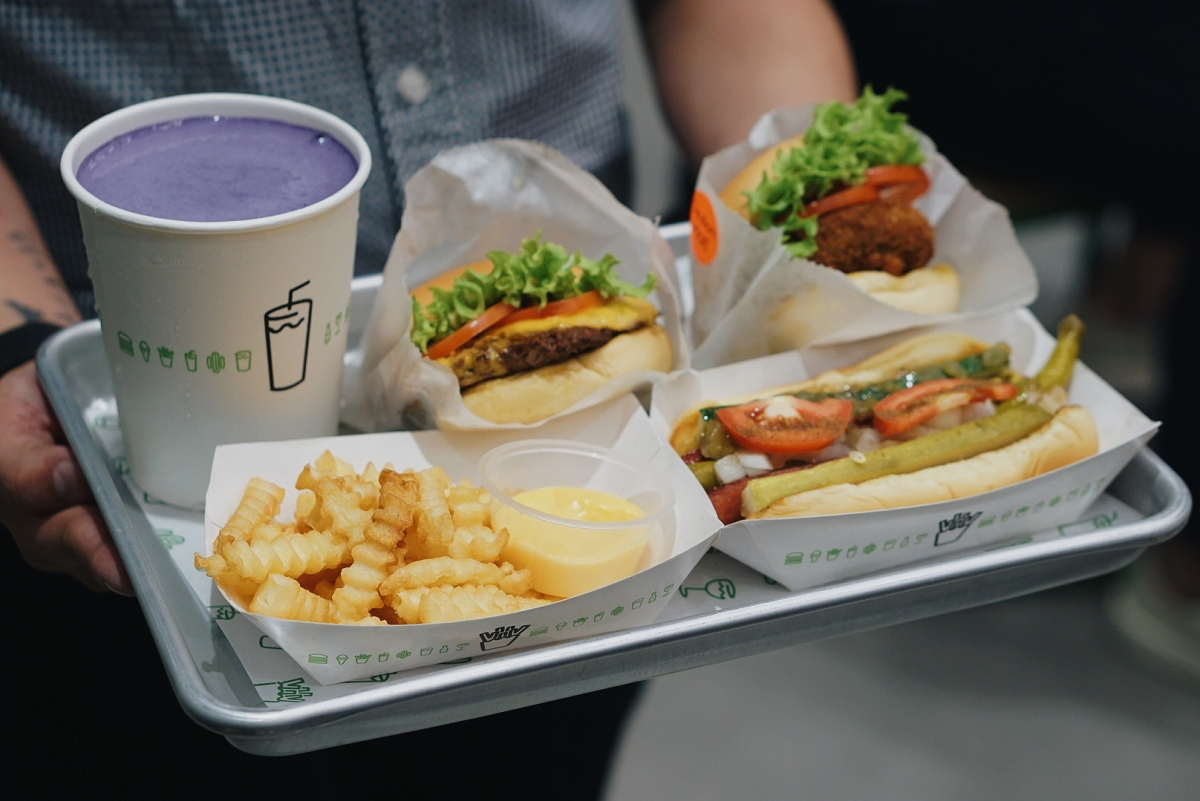 First Bite of Shake Shack Philippines – Central Square, BGC