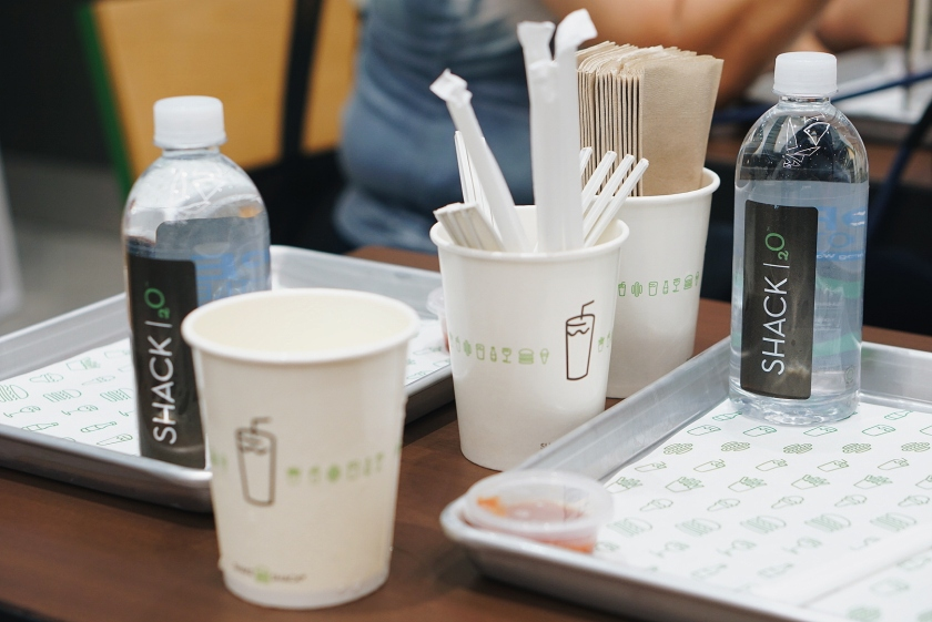 first-bite-of-shake-shack-philippines-central-square-bgc