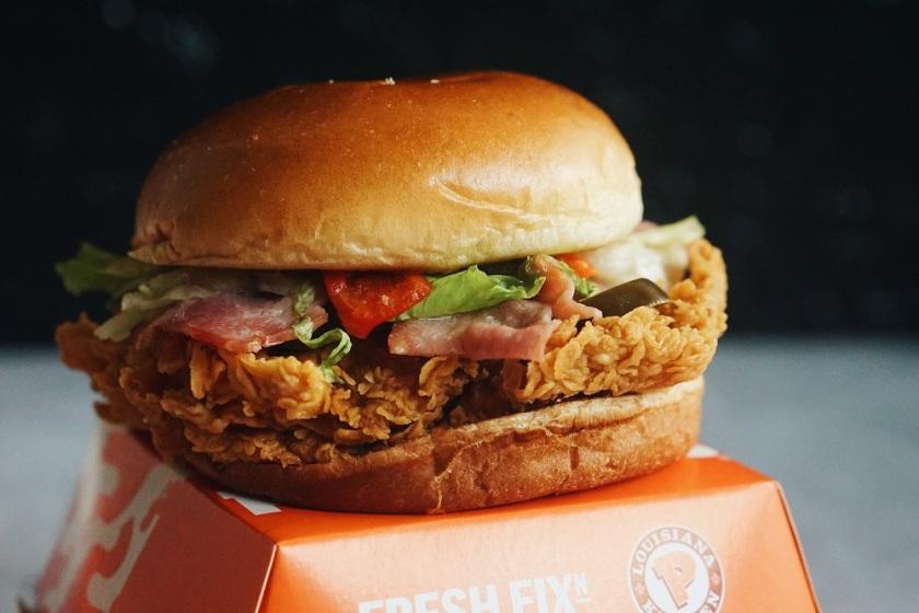 popeyes-philippines-new-spicy-chicken-sandwich